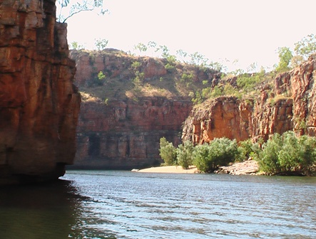 Cruise Katherine Gorge Nitmiluk National Park Spirit Safaris Kakadu tour